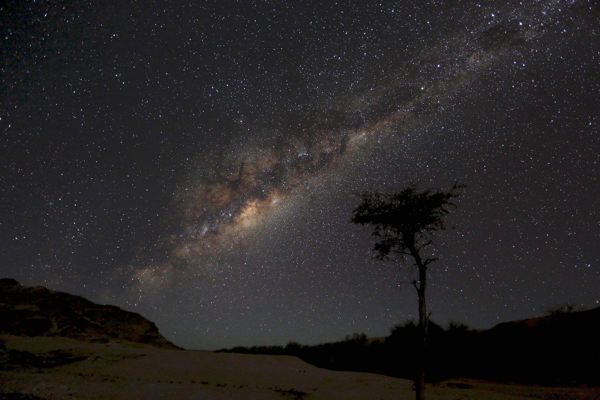 Michstraße im Sternenhimmel über der Namib, Namibia, Afrika